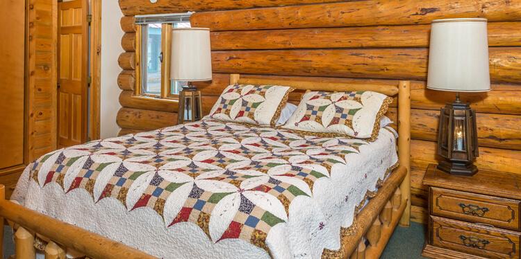 Kenai Peninsula fishing resort accomodations in Alaska Eagle Landing Resort