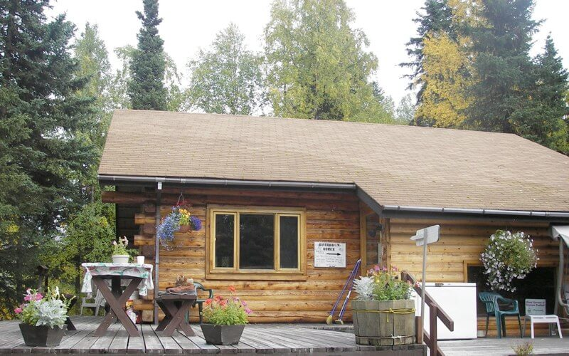 Kenai Peninsula fishing resort accomodations in Alaska Riverhaven Cabins