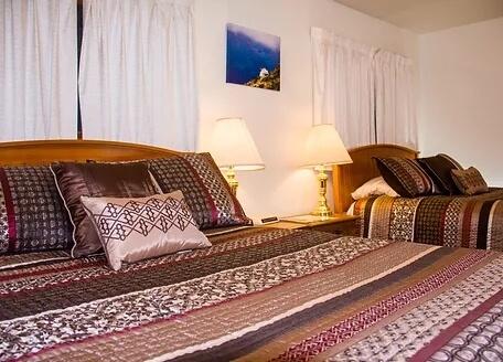 Kenai Peninsula fishing resort accomodations in Alaska The Hutch Bed & Breakfast
