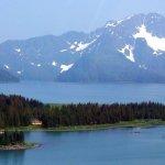 Kenai Riverside Fishing Alaska fishing lodge image10