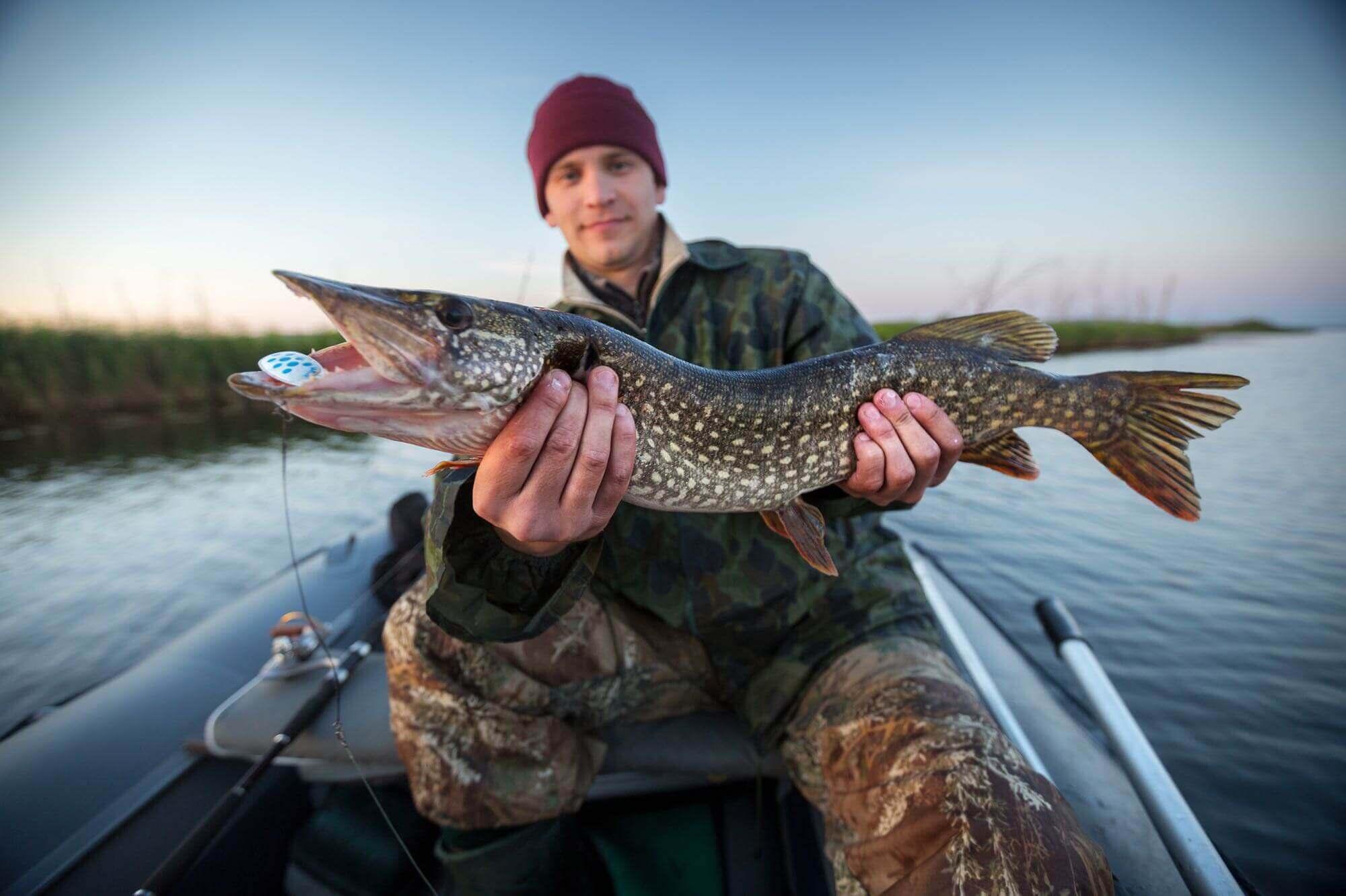 Saskatchewan fishing lodges Canada