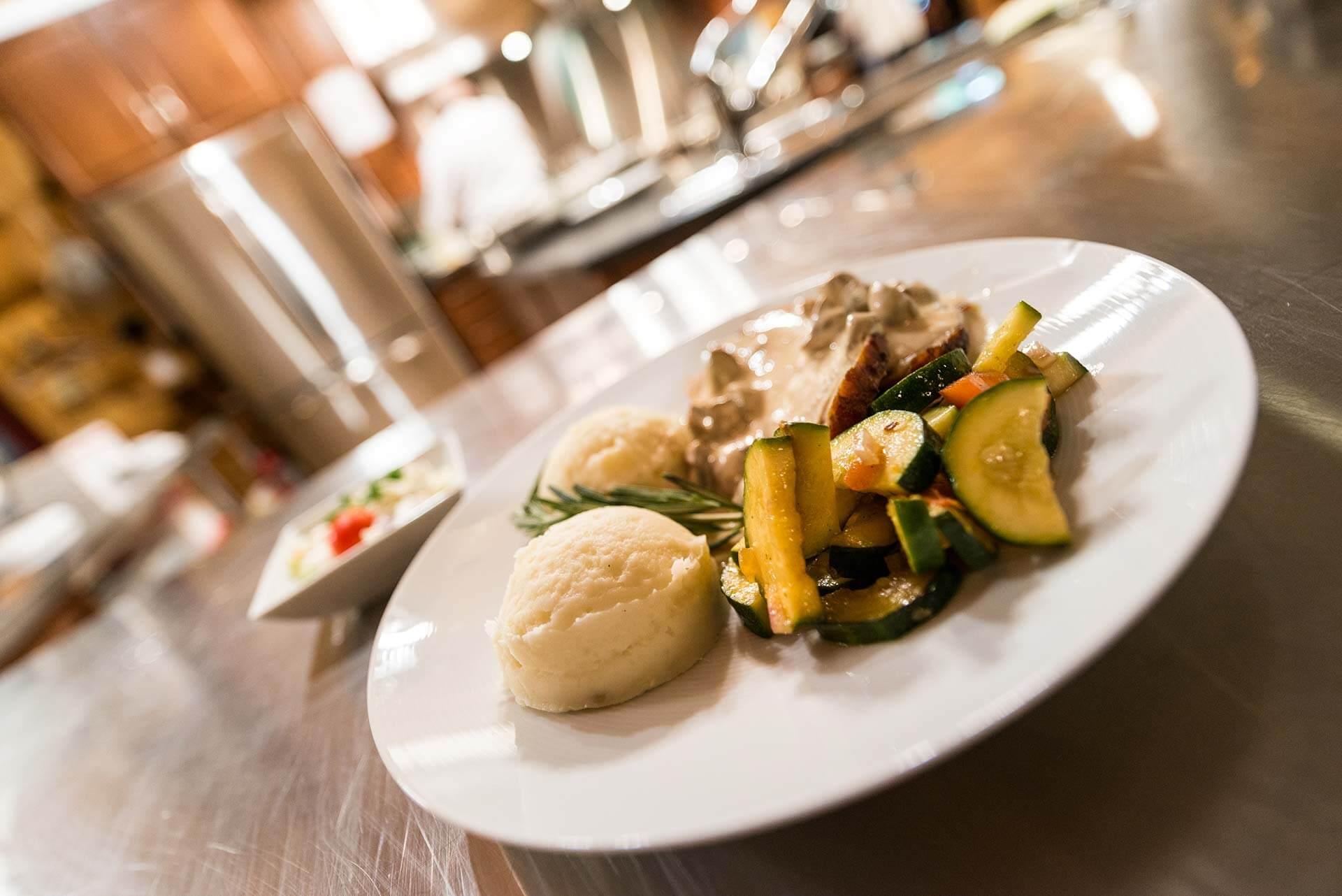 North/Central Interior fishing lodge all inclusive lodge meals in BC